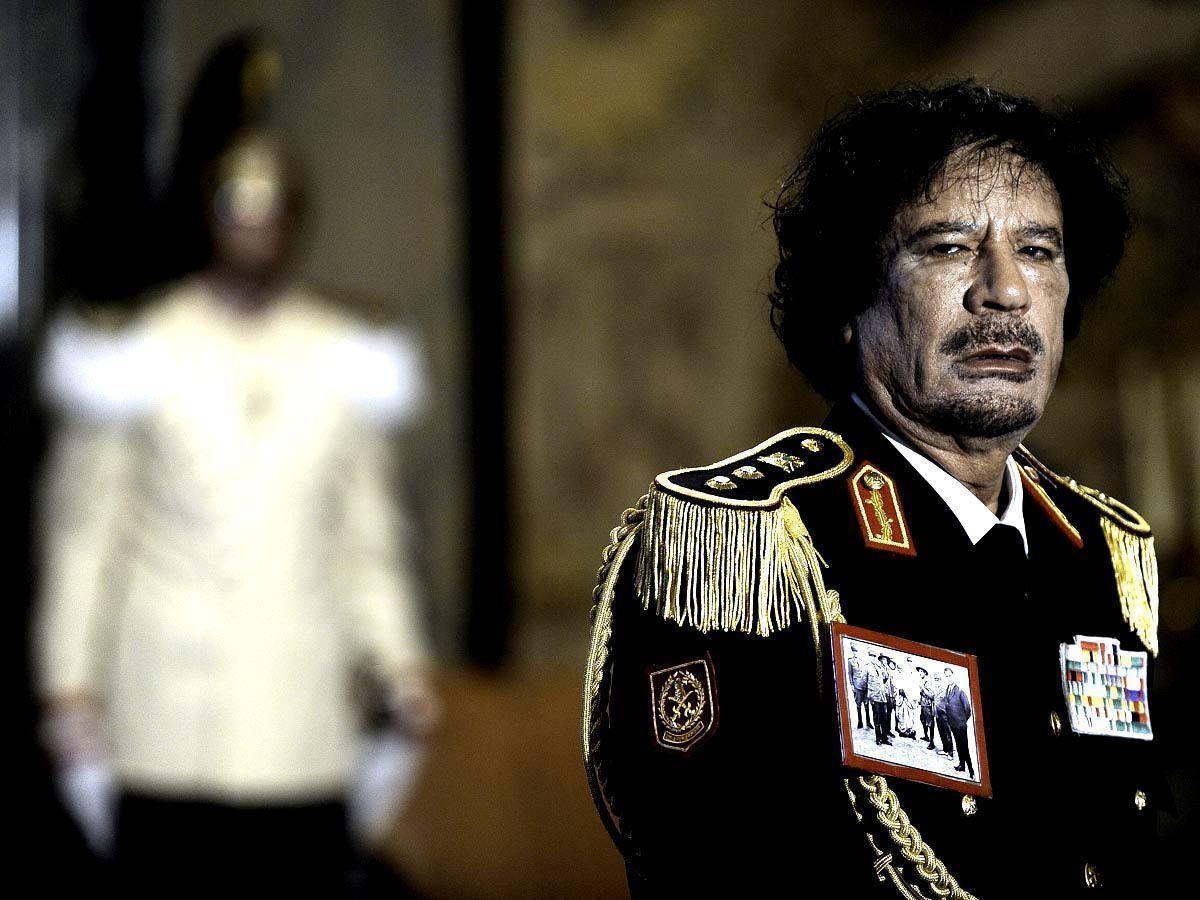 Libya may face civil war as Gaddafi's iron grip loosens