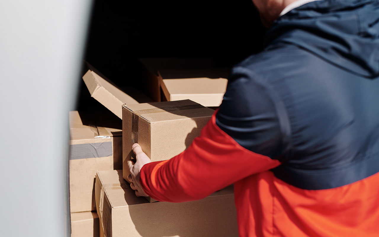 Dubai sets new rules for delivery service firms amid Covid business boom thumbnail