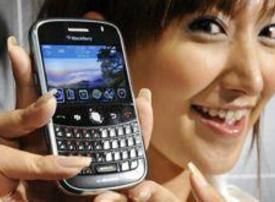 Blackberry phones most popular in Mideast - research