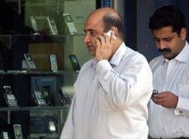 Mobile tariffs in Arab countries 80% higher than OECD