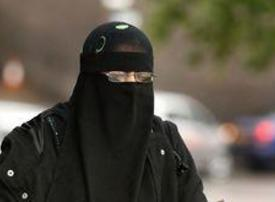 French Senate approves burqa ban