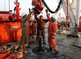 Kuwait, Iraq follow in Saudi footsteps on oil-price curbs