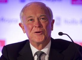 Sir Tim Clark, President of Emirates Airline: No signs of a slowdown in 2016