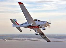Video: Emirates' Cirrus Aircraft landing at Dubai International