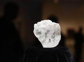 Video: 1,109-carat diamond sells for 53 million dollars