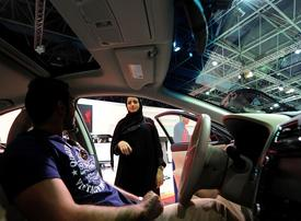 Saudi women getting wheels may be boost for Toyota, blow to Uber
