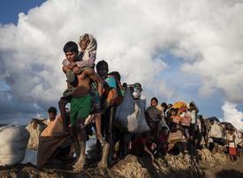 Video: Rohingya Muslim refugees flee ethnic cleansing in Myanmar