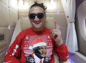 Casey Neistat reviews Emirates new First Class suite