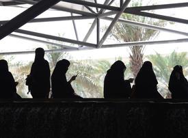 Women over 25 can enter Saudi Arabia unaccompanied, official says