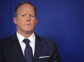 Trump administration 'lost control' of reaction to MidEast travel ban, says Spicer