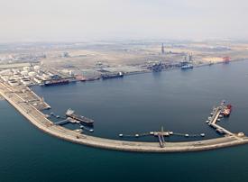 Dredging deal signed for expansion of Oman port