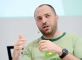 Video: Jon Koum steps down as WhatsApp CEO amid Facebook privacy scandal