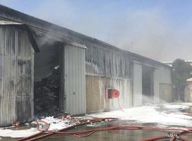 Fire damages three warehouses in Dubai