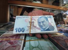 Indian rupee falls to new low against UAE dirham