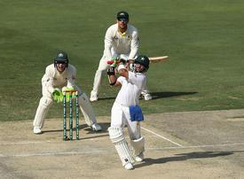 Mohammad Hafeez helps Pakistan dominate opening day against Australia