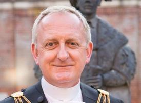 Lord Mayor of London eyes fintech talks during Gulf visit