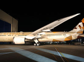 Etihad Airways says to launch Dreamliner on Jakarta, Male routes