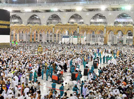 Saudi Arabia bars Gulf citizens from entering Makkah, Madinah