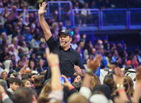 Video: The $1bn life coaching industry and Tony Robbins explained