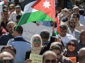 Jordan teachers end strike in pay deal with government
