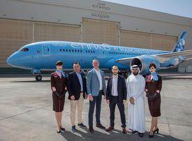 Etihad Airways unveils Manchester City FC livery on new Boeing 787-9 Dreamliner