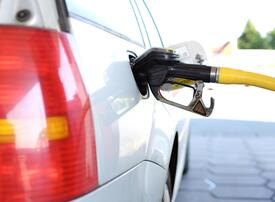 India eases norms for fuel retail, allows entry of non-fuel companies