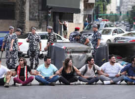 Lebanon protesters form nationwide human chain