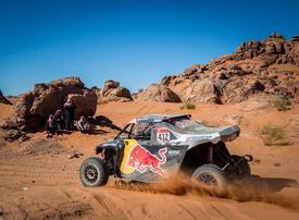 Carlos Sainz extends Dakar Rally lead in Saudi Arabia