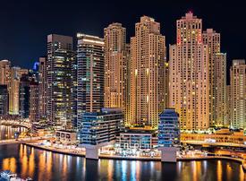 Dubai residents applaud coronavirus frontliners from balconies