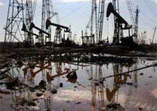 Oil near 2-year high on cold, risk appetite