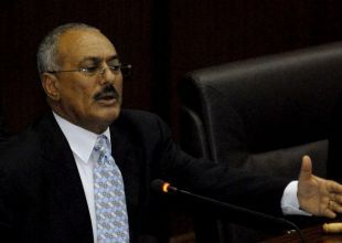 Saleh refuses to sign pact to step down, opposition says
