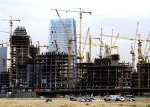 Saudi Arabian builders delay payments amid state spending clampdown