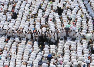 Saudi authorities employ drones to watch over haj pilgrims