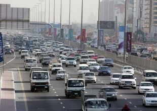 Ten-car accident leads to traffic jam on Abu Dhabi-Dubai highway