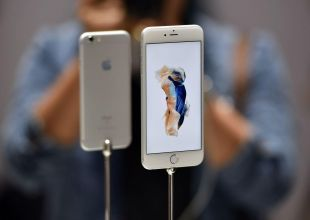 Apple says 'very small' number of iPhone 6s shutdown unexpectedly