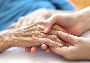 UAE's FNC approves draft law to protect elderly Emiratis