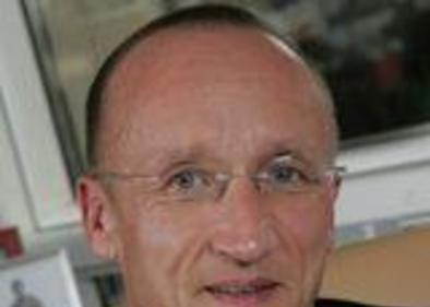 Dr Michael Bitzer