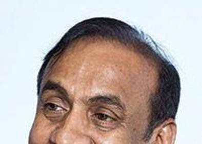 Dr Ravi Pillai