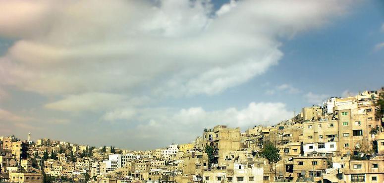 Child dies, over 800 sick in Jordan food poisoning