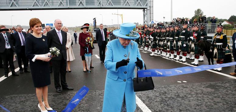 In pictures: Britain's Queen Elizabeth II opens new Queensferry crossing