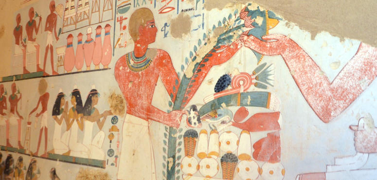 Video: Ancient tombs uncovered in Egypt