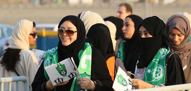 9,000 Saudi women attend soccer matches for first time