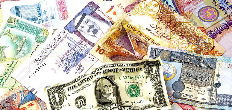 Oil rout puts Gulf currency peg back under microscope