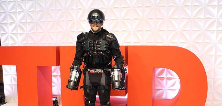 Real life 'Iron Man' showcases flight suit in Dubai