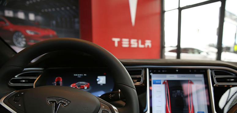 Video: Which automakers can seriously challenge Tesla?