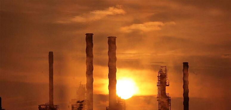 Abu Dhabi's main refinery makes China sales push after servicing