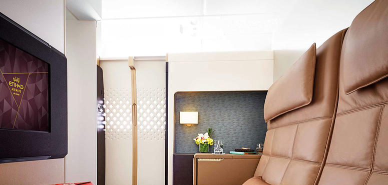 Video: YouTube star Casey Neistat experiences the most expensive plane ticket in the world - Etihad Airways A380 The Residence