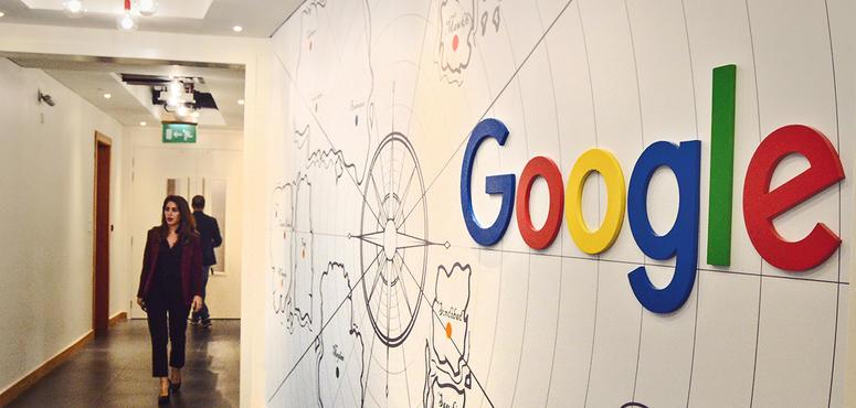 Google advertising revenue growth slows, triggering share slump