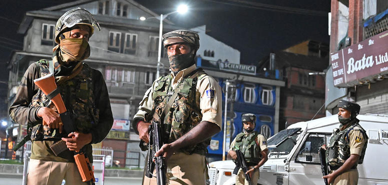 India clampdown hits Kashmir's Silicon Valley