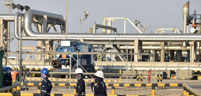 Saudi to raise oil exports to record levels from May